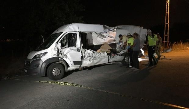 Şile Otoyolu'nda kaza: 2 ölü, 3 yaralı
