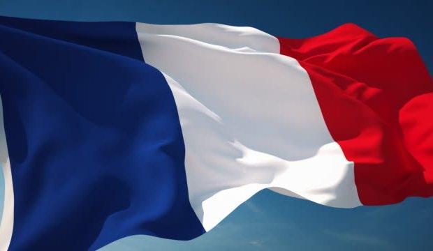 Fransa askeri varlığıyla Afrika'da nüfuzunu korumaya çalışıyor
