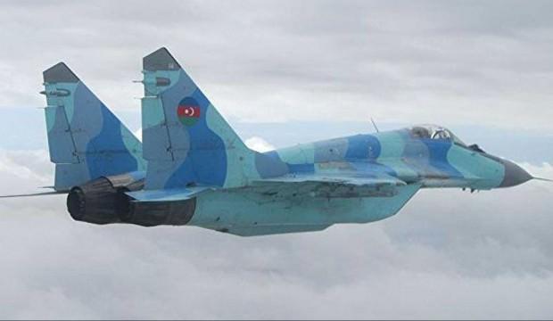 Azerbaycan savaş uçağı için Türkiye'den yardım istedi: Harekete geçtik