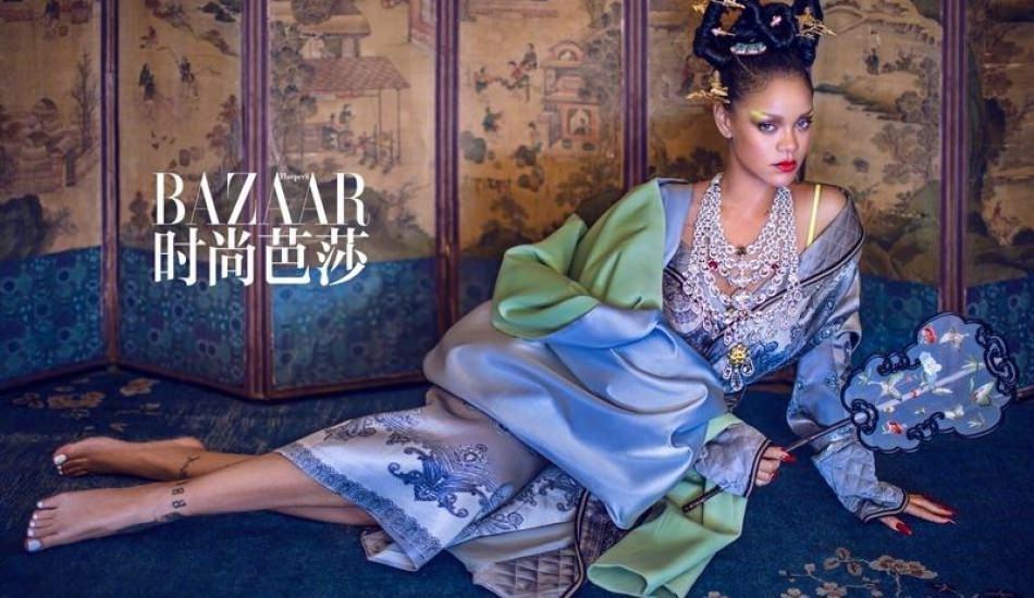 Rihanna Çinli kıyafetleriyle poz verdi! Çinlilerin gözdesi olacak!