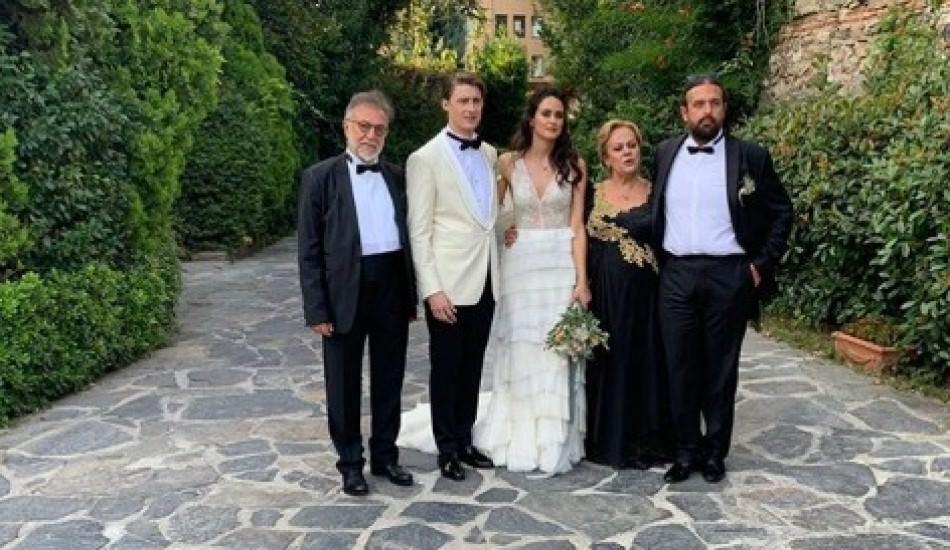 Oyuncu Tamer Levent'in kızı Hazel Levent nikah masasına oturdu