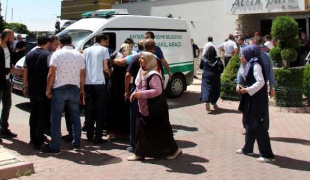 'Evlatlıksın' deyince cinnet getirdi: Yengesini öldürdü