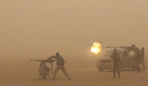 Myanmar'da askeri akademiye saldırdılar!