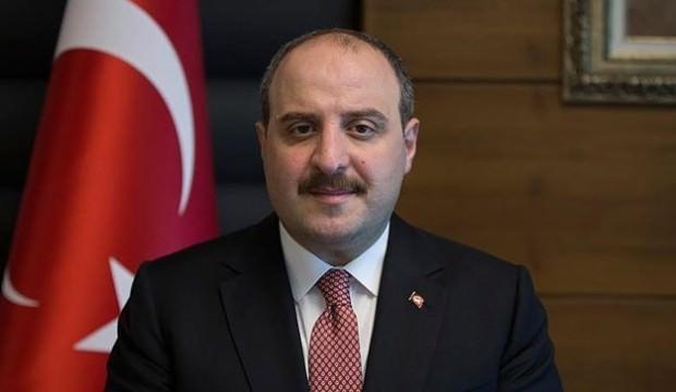 Bakan Mustafa Varank, Gül ve Davutoğlu'nu yerden yere vurdu