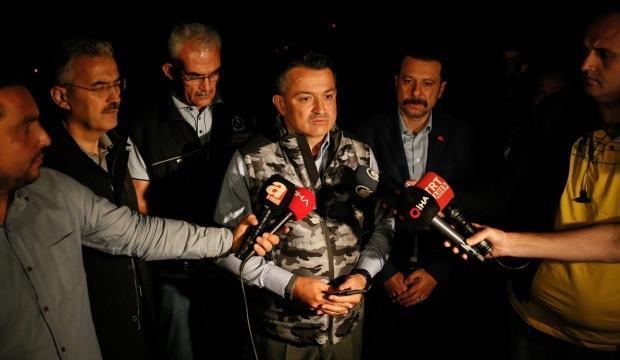 Bakan Pakdemirli: Yüzlerce yangınla mücadele ediyoruz