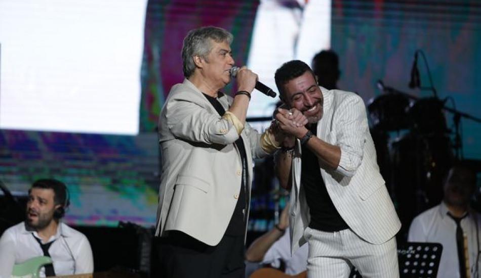 Cengiz Kurtoğlu ve Hakan Altun konserinde kedi şoku!