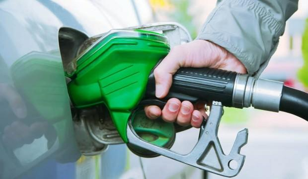 Araç sahipleri dikkat! Benzin fiyatına indirim geliyor