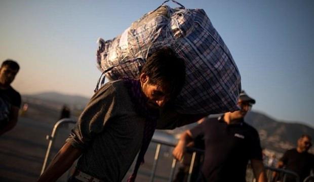 """Yunanistan'ın iktidar partisi vekili, mülteciye """"maymun"""" dedi"""
