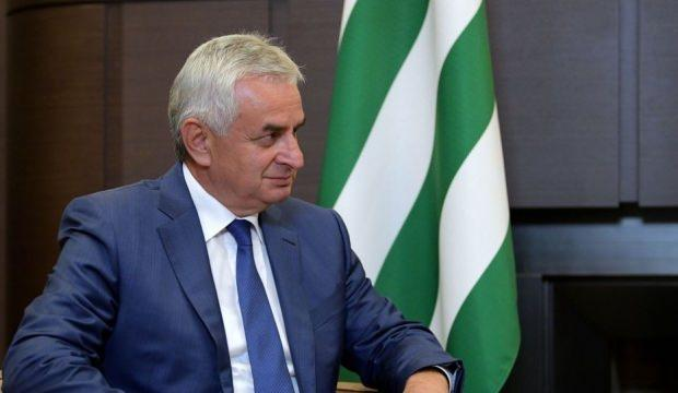 Abhazya'nın devlet başkanı yine Hacimba oldu