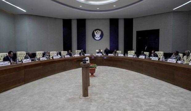Yemin ederek göreve başlamışlardı... Yeni hükümetten ilk toplantı