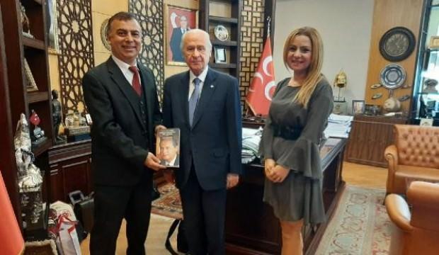 Bahçeli'nin liderliğini anlatan İngilizce kitap yayımlandı