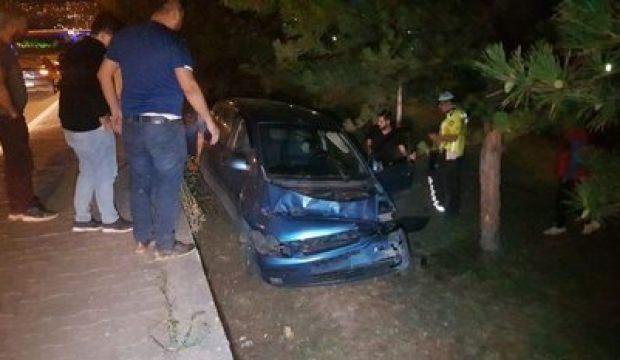 Karabük'te takla atan otomobil ağaçlara takıldı