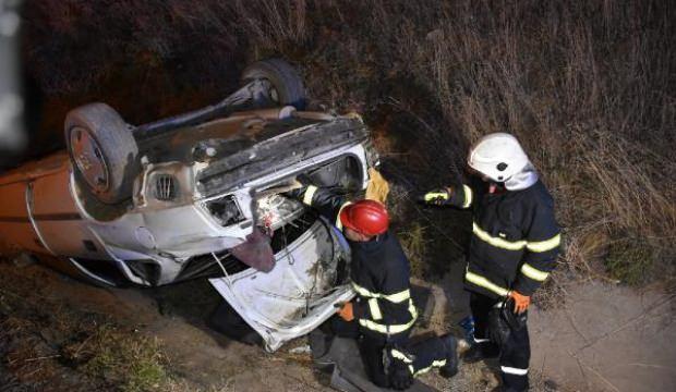 Kırıkkale'de otomobil trapez kanala devrildi: 2 yaralı