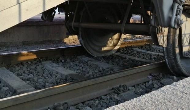 Mersin'de yük treni raydan çıktı