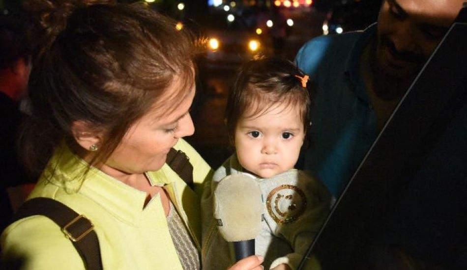 Demet Akalın ve kızı Hira Masterchef yarışmasına özendi!