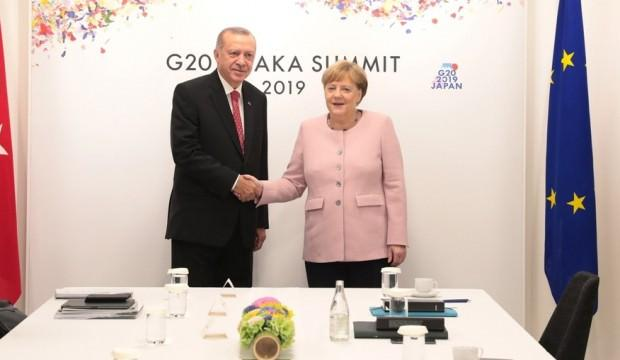 Göçmenler Merkel'i korkuttu! Erdoğan'ı ziyaret edecek