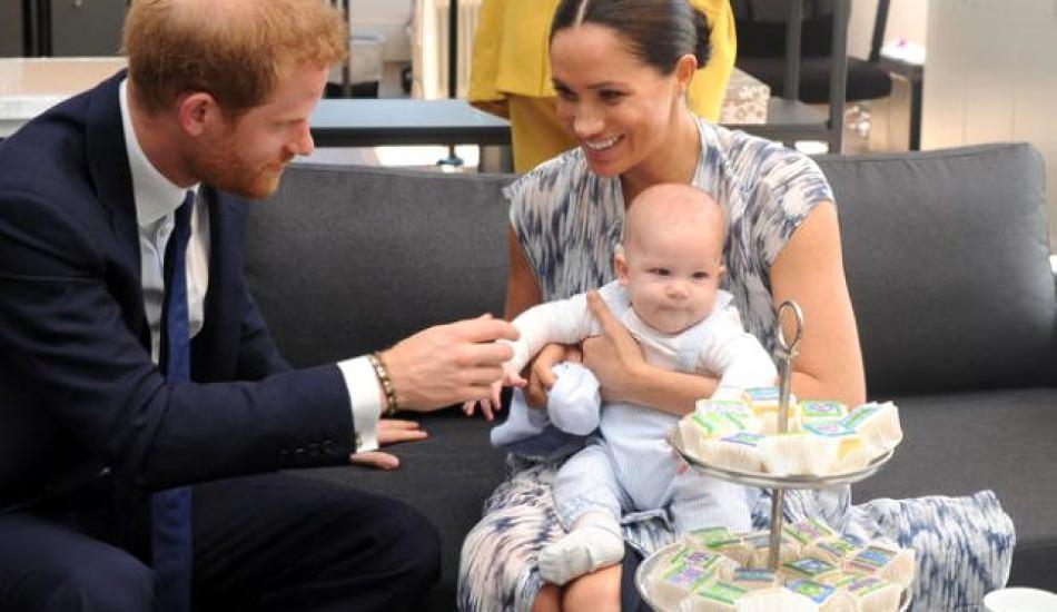 Prens Harry ile Meghan Markle'ın bebekleri Archie ilk kez görüntülendi