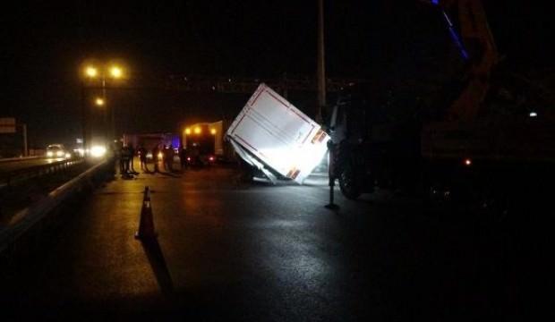 TEM'de kaza! 15 kilometre araç kuyruğu oluştu