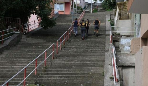 300 basamaklı merdivende zorlu idman