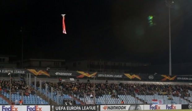 Karabağ maçında Ermenistan bayrağı açıldı!