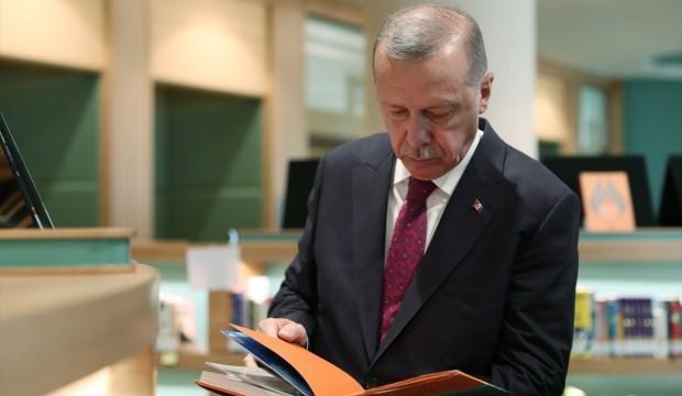 Ahmet Hakan'dan Erdoğan'a hakaret edenlere eleştiri