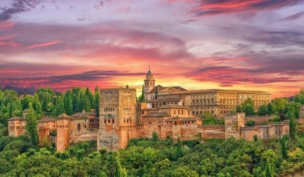 İslam'ın bilim merkezi Granada: Endülüs gezi rehberi