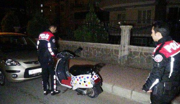 Çalıntı motosikletle ayakkabı çalan 2 çocuk yakalandı