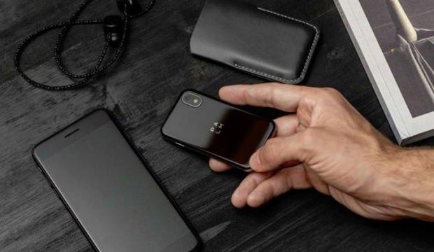 Kredi kartı boyutundaki akıllı telefon Palm Türkiye de satışa sunuldu
