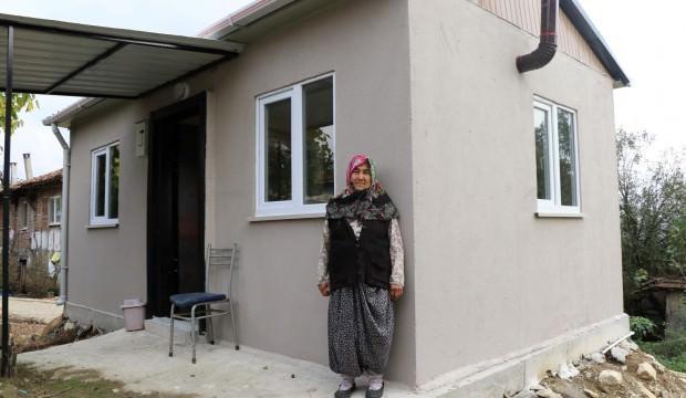 Barınma sorunu yaşayan yaşlı kadına yeni ev