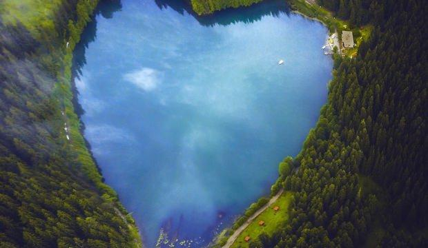 Artvin'in doğa harikaları 'Karagöller'e ziyaretçi akını