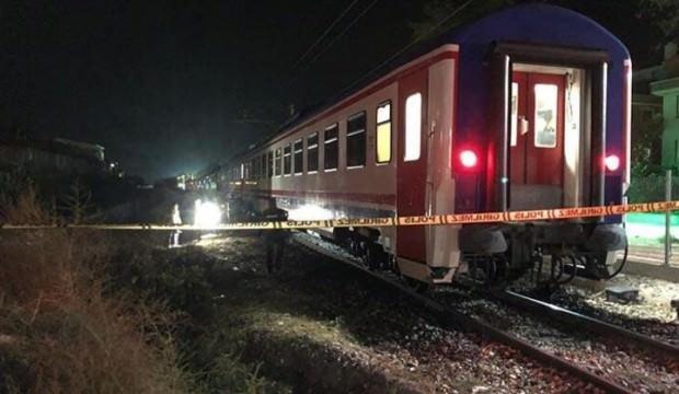Tren raylarına düşen kadın feci şekilde can verdi