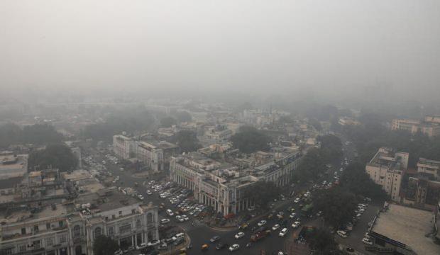 Hindistan'da hava kirliliğine karşı milyonlarca maske