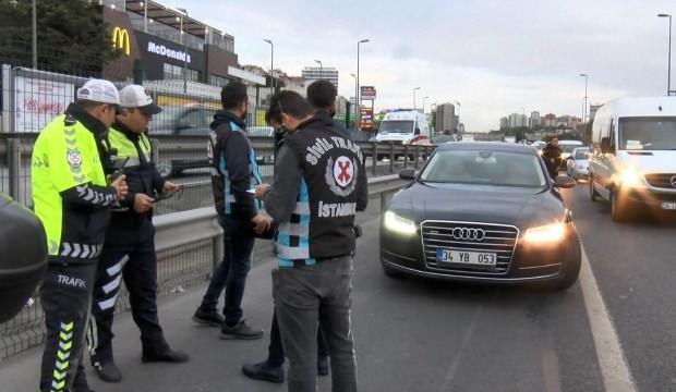 İstanbul'da ilk gün bilançosu: 63 çakarlı araç yakalandı