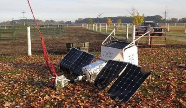 Samsung'un 'SpaceSelfie' aracı bir evin bahçesine düştü