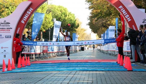 İstanbul Maratonu'nu kazanan isimler belli oldu