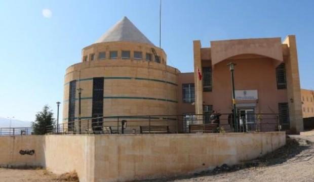 3 bin 300 nüfuslu Hasankeyf'e 12 bin kitaplık kütüphane
