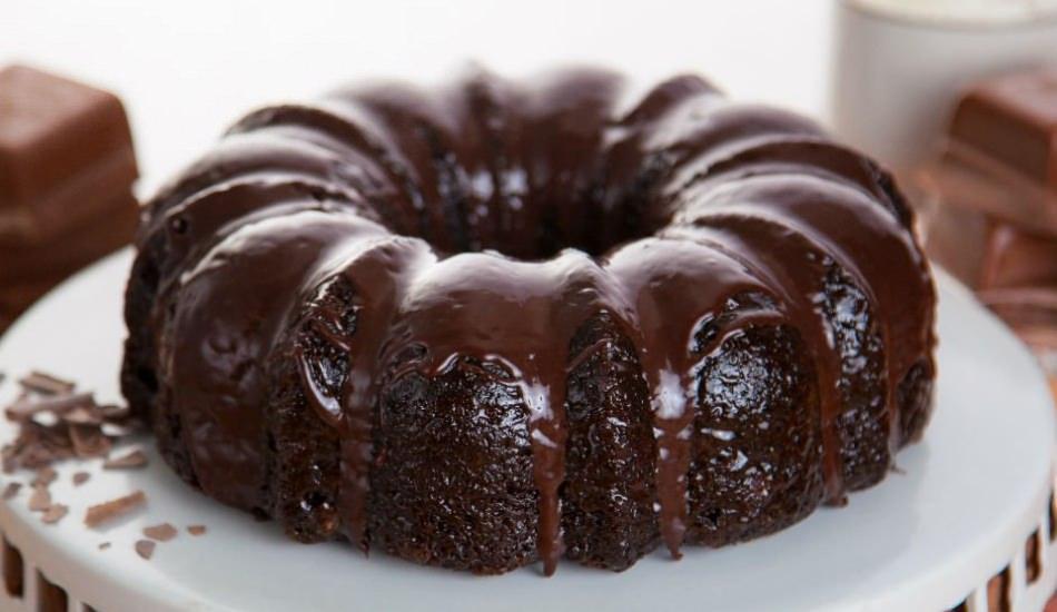 En kolay çikolatalı kek tarifi! Çikolatalı kek nasıl yapılır? Az malzemeli çikolatalı kek
