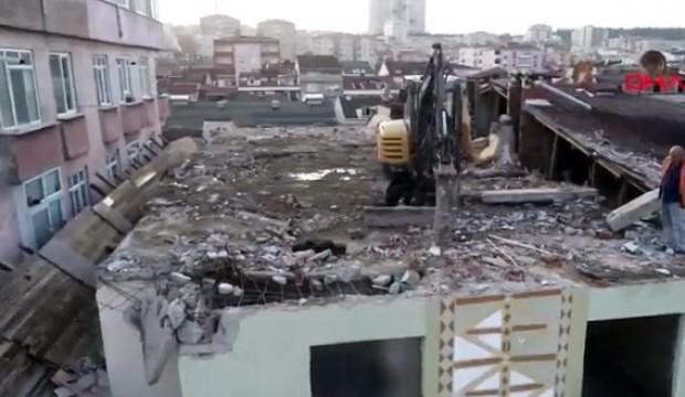 İstanbul'da görenler inanamadı! Binanın çatısına yerleştirdiler