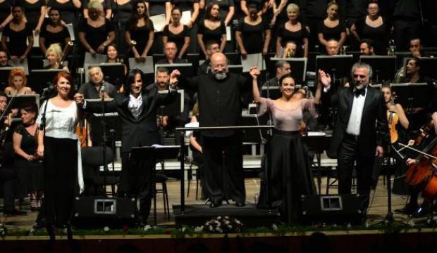 Senfonik Neşet Ertaş türkülerine kapalı gişe ilgi