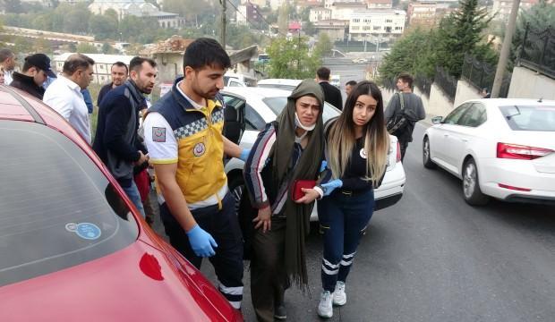 Beyoğlu'nda trafik kazası! Görenler yardıma koştu