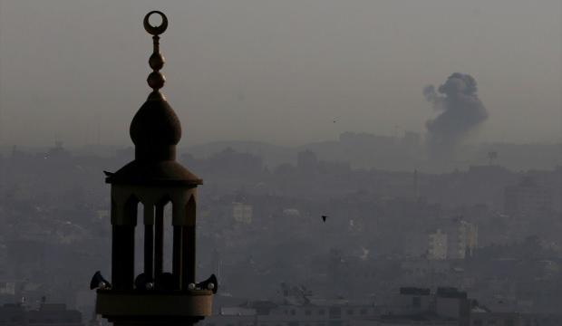 İsrail Gazze'yi vurmaya başladı!