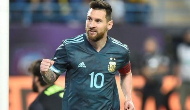 Messili Arjantin, Brezilya'yı devirdi!