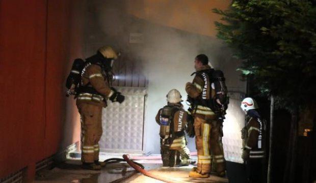 Ümraniye'de kozmetik imalathanesinde yangın