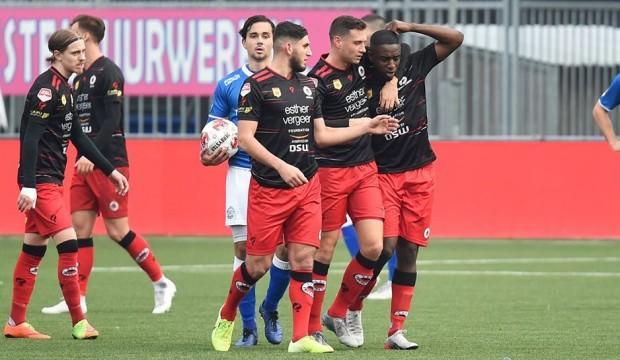 Hollanda futbolunda ırkçılık skandalı!