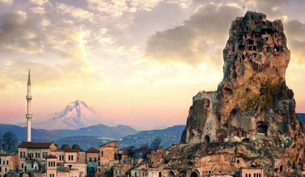 Dünyanın tek doğal gökdeleni: Kapadokya Ortahisar Kalesi
