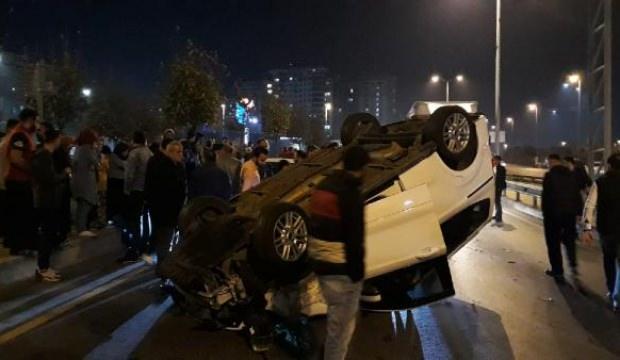 Otoyolda yarışan araçlardan biri takla attı