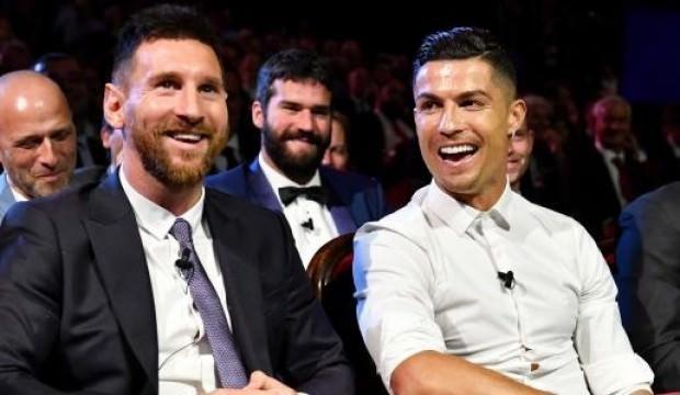 """""""Ronaldo, 'Messi daha iyi' diyenlere kaslarını gösteriyordu"""""""