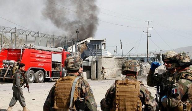 Afganistan'da bombalı saldırı: Bir komutan hayatını kaybetti