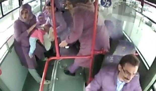 Halk otobüsü şoförü bebeğin hayatını kurtardı