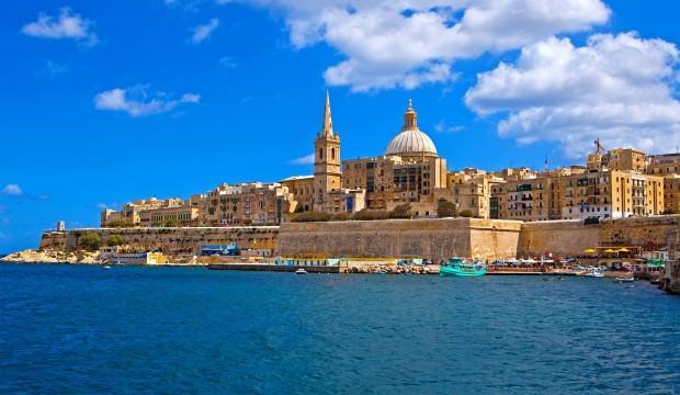 Malta'nın başkenti Valletta'yı ikiye bölen Cumhuriyet Caddesi